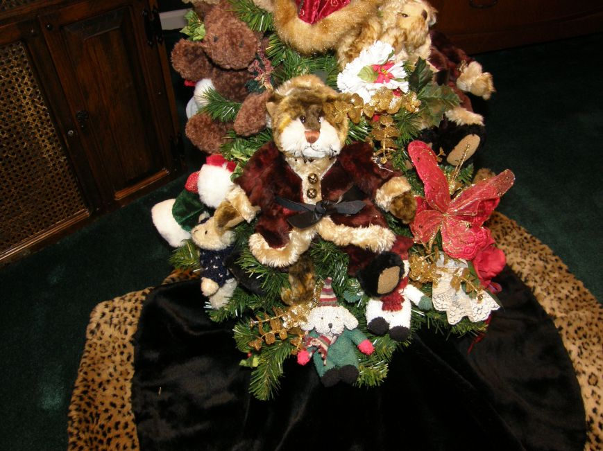 I love this Santa Cat, it has a Victorian look to me.  The cat and the rabbit are the stuffed animals that inspired the vision for this tree.