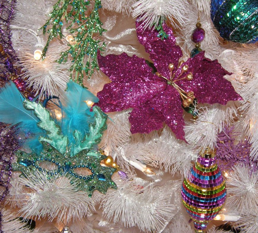 I love mixing colors, sparkles and feathers.